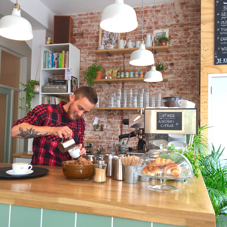 Cleeff-Haarlem-hotspot-menu-voor-koffie-ontbijt-lunch-én-borrel-made-by-ellen